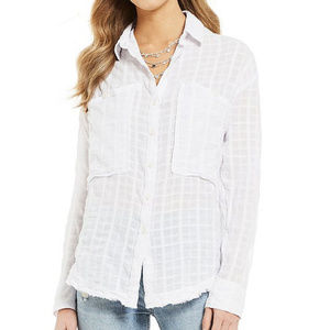 Free PeopleLoveland Woven Frayed Hem Button Front